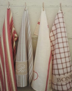 4 x French-inspired tea towels