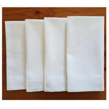 White napkins x 4 folded