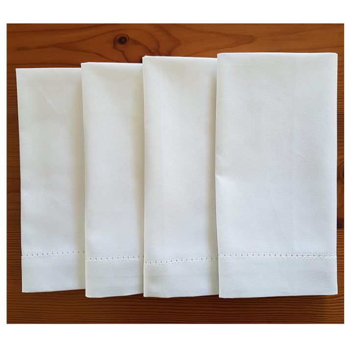 White napkins x 4 folded
